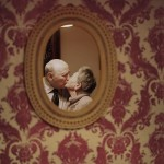 """The Lovers"" : Lauren Fleishman photographs old-married couples"