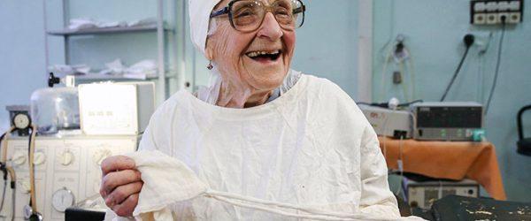 Meet Alla Illyinichna Levushkina, the world's oldest surgeon who is 89 years old